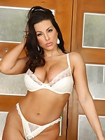 Brianna Jordan Photo Set 16 - Aziani - The Home Of Beautiful American Babes